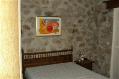 Double bedroom with access to private courtyard