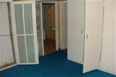 Bedroom with en-suite bathroom, built in wardrobes