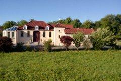 modern Petite Chateau