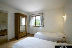 Villa - bedroom with en-suite