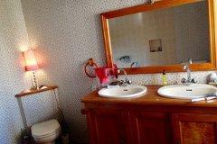 Double sink & 2 person bath , master bedroom
