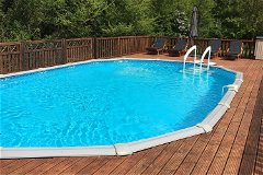 Heated, Alarmed and Fenced Swimming pool 10m x 5m
