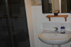 Le Chai shower room