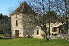 Pigeonnier and farmhouse