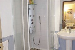 Celestine Shower room 2 person apartment