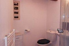 Gite Master bedroom bathroom