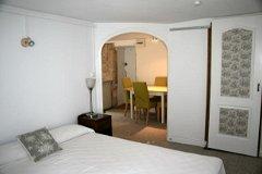 Apartment C ensuite bedroom