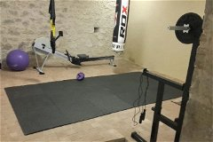 A Home Gym with plenty of space for your fitness program!