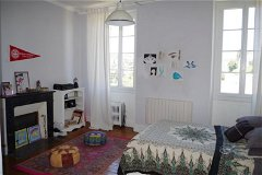 3 fully renovated children's bedrooms with bathroom/wc on separate floor
