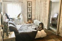 3rd bedroom (second floor / attic)