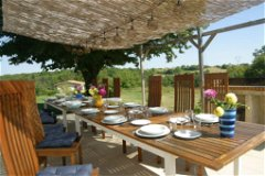 La Vallee: Outside dining