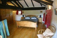 La Vallee: Mezzanine double bedroom