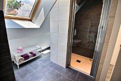 1st floor shower room