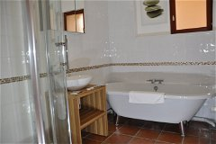Villa Saule - the bathroom upstairs