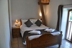 Villa Chêne - bedroom 1 upstairs