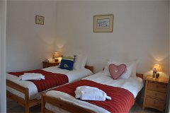 Villa Chêne - twin bedroom 3 upstairs