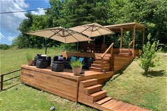 Infinity decking with outside kitchen area