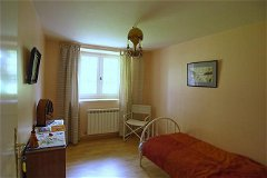 Guest accommodation, bedroom 1