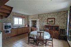 G2 - Kitchen / Dining room