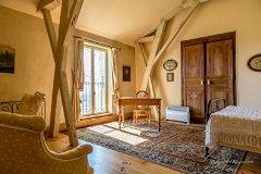 6 of the 8 bedrooms are En Suite