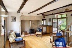 Cottage 3 salon and kitchen