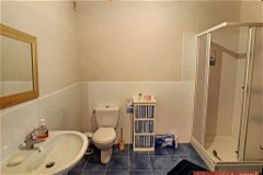 Unit 4 shower room