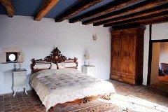 Huge master bedroom with en-suite bathroom