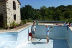 Cleaning the pool in spring