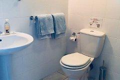 Gîte 2 bathroom