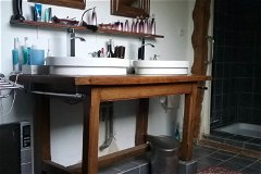 grey bathroom 2