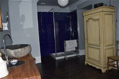 Master ensuite other direction