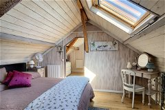 Violine bedroom
