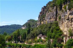 Situated at a bend in river No1 and No3 and Le Mirador