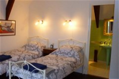 Twin room and ensuite in No 1 La Malartrie