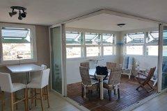 Breakfast bar and terrace