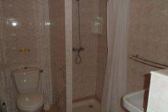 L'Ecurie Shower Room