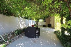 Lovely garden apartment for sale in Mougins in small villa